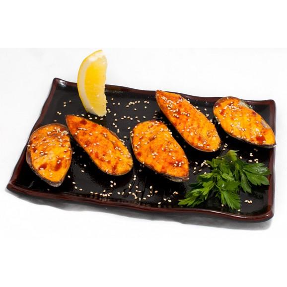 Мидии запеченные под сырным соусом